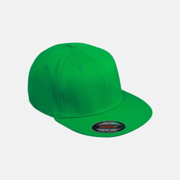 Fern Green Flexfitkepsar med platta skärmar - med eget tryck