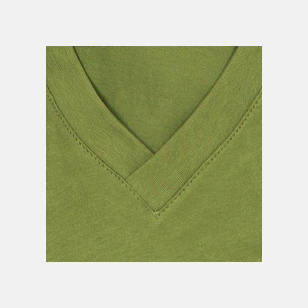 Earth Green (v-neck detalj) Ekologiska t-shirts i flera modeller och många färger - med reklamtryck