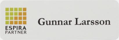 Vit Namnbrickor med egen logo