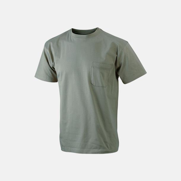 Khaki T-shirts med bröstficka i matchande färg - med reklamtryck