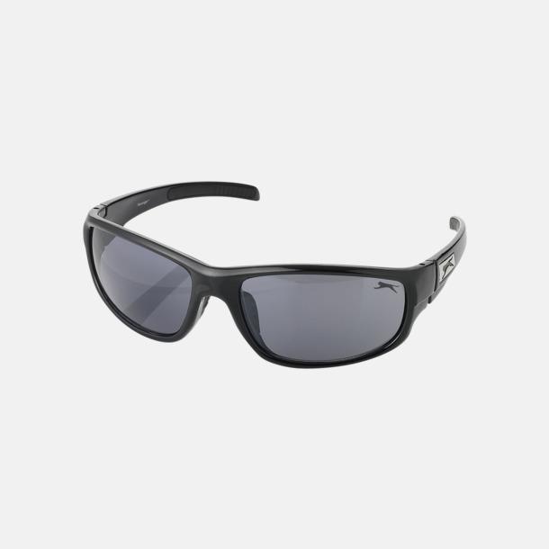 Svart Djärva solglasögon från Slazenger med reklamtryck