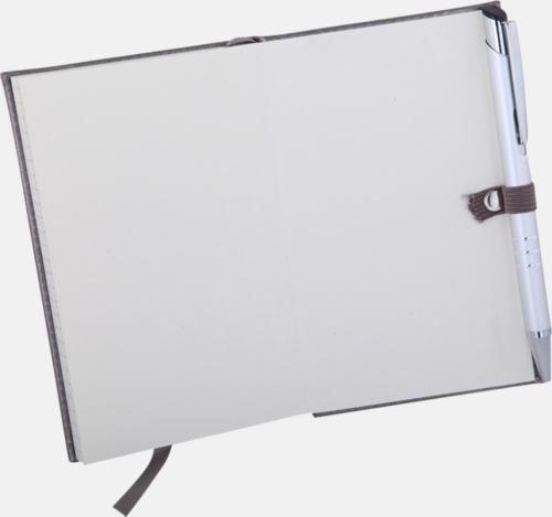 Pennhållare (penna ingår ej) Silverfärgade anteckningsblock med rutade papper - med reklamtryck