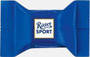 Nougat Ritter sport pralin på ett kort med reklamtryck