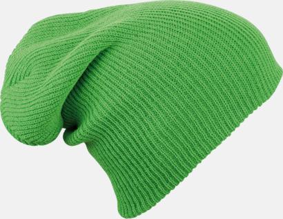 Grön Längre beaniemössa med brodyr