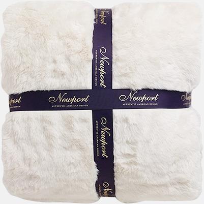 Aspen polar bear pläd Presentkort över Newports sortiment!