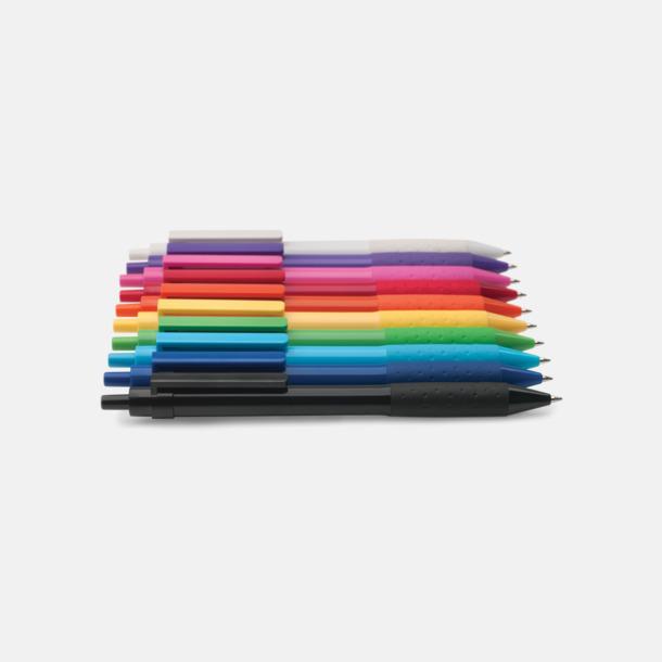 Färgglada plastpennor med reklamtryck