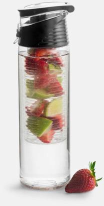 Svart Vattenflaskor med fruktkolv från Sagaform