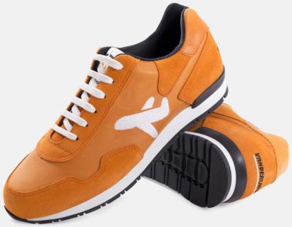 Sneakers med egen logga