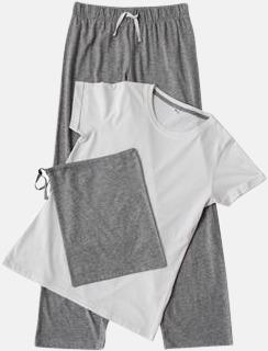 Long 2 varianter av pyjamasset i påse med reklamtryck