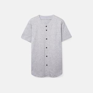 Knappförsedda t-shirts med reklamtryck