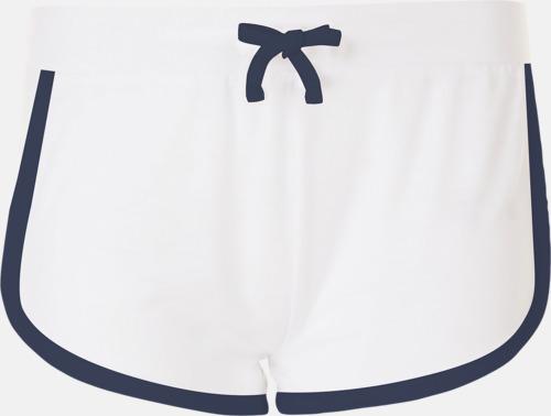 Vit Korta och färgglada retro shorts med reklamtryck