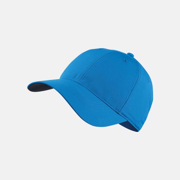 Photo Blue Fina kepsar från Nike med reklamlogo