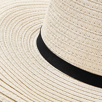 Vidbrättade solhattar med reklam