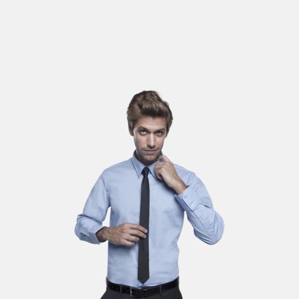 Långa, smala slipsar med reklamtryck