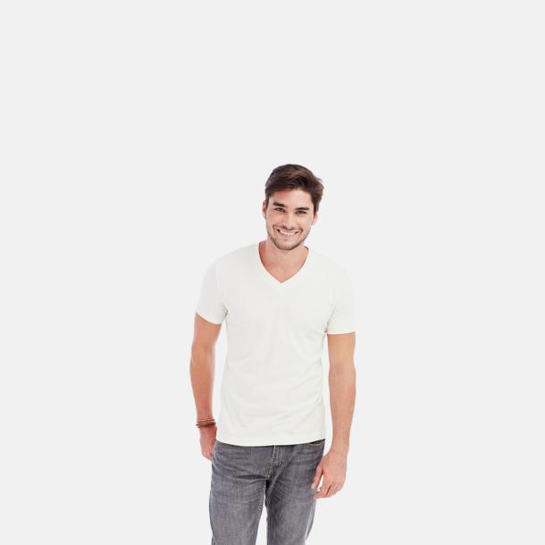 V-neck herrmodell i winter white Ekologiska t-shirts i flera modeller och många färger - med reklamtryck