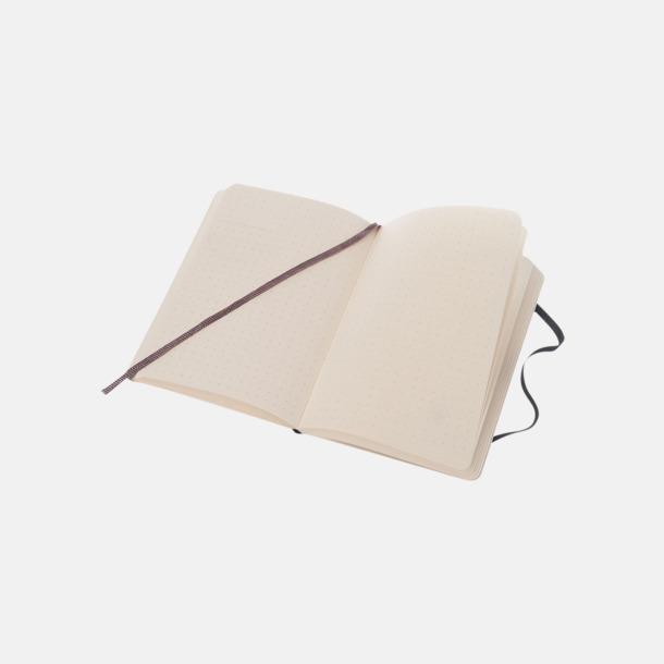 Prickade sidor (dotted) Moleskines mjuka anteckningsböcker i mindre format (ca A6) - med reklamtryck