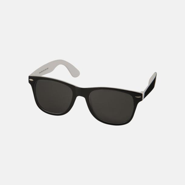 Vit / Svart Solglasögon med bågar i kontrasterande färg - med reklamtryck