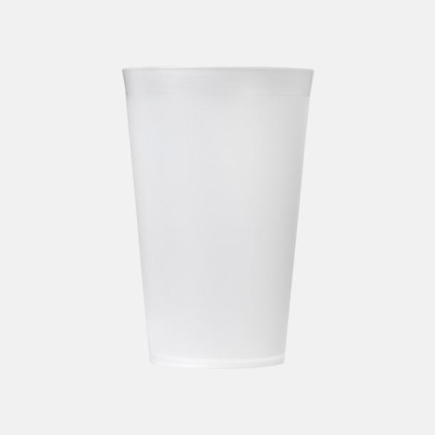 Enkla och billiga plastglas med reklamtryck