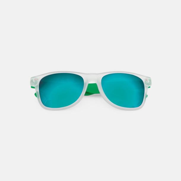 Solglasögon med färgade glas - med tryck